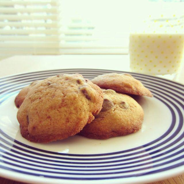 {THE ENDO DIET DIARIES} Gluten Free Choc Chip Cookies. #coconutsugar #brownriceflour
