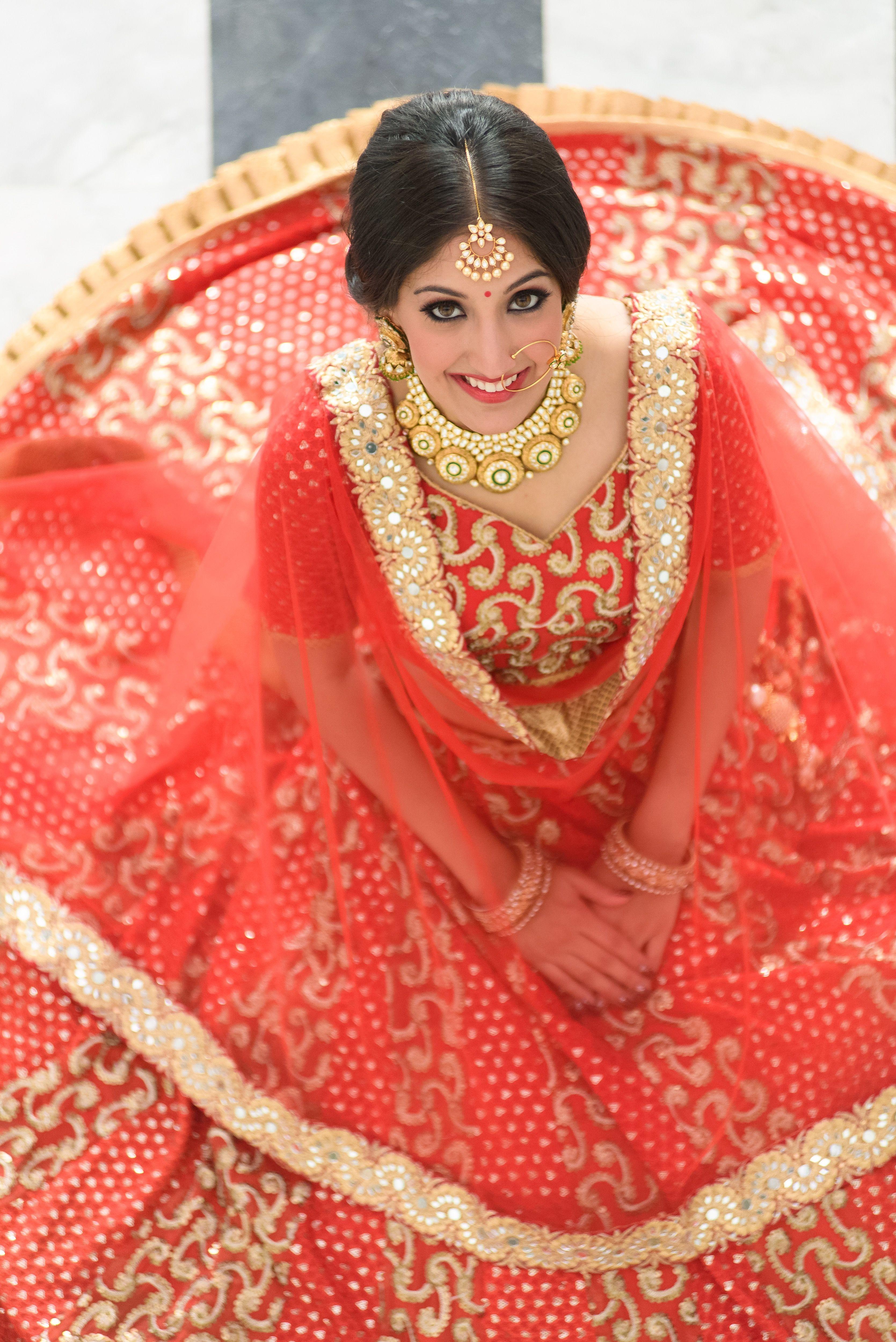 Pre-wedding Photoshoot .... Theme traditional | Pre wedding photoshoot, Indian bride, Wedding ...