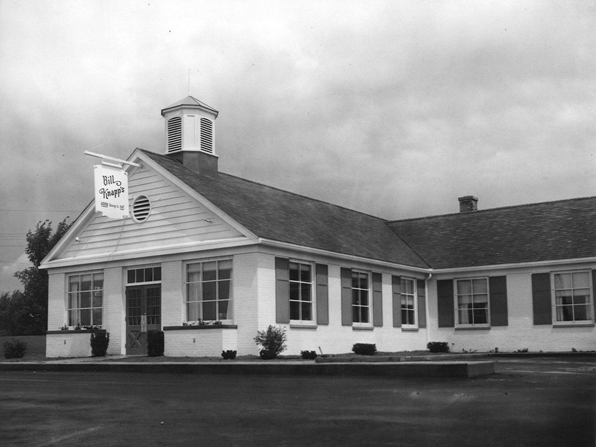 Exterior Of Bill Knapp S Restaurant June 15 1955 Fast