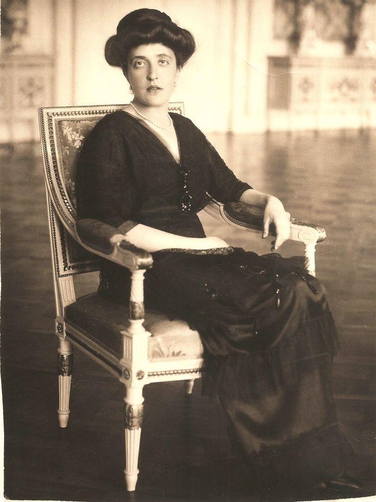 Adele Bloch-Bauer   Love it   Pinterest   Klimt, Artist and ...