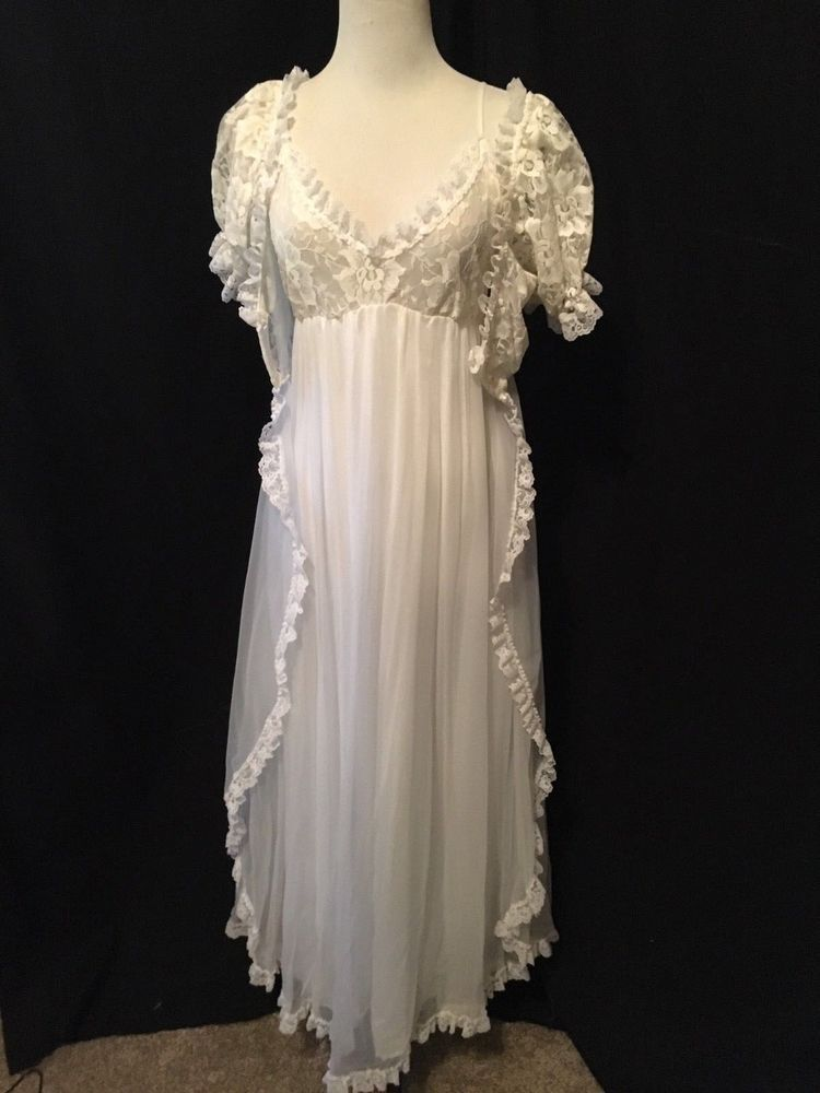 a5c47acd6b2 Vintage Tosca peignoir set Bridal white Chiffon Nylon nightgown Robe set  lace