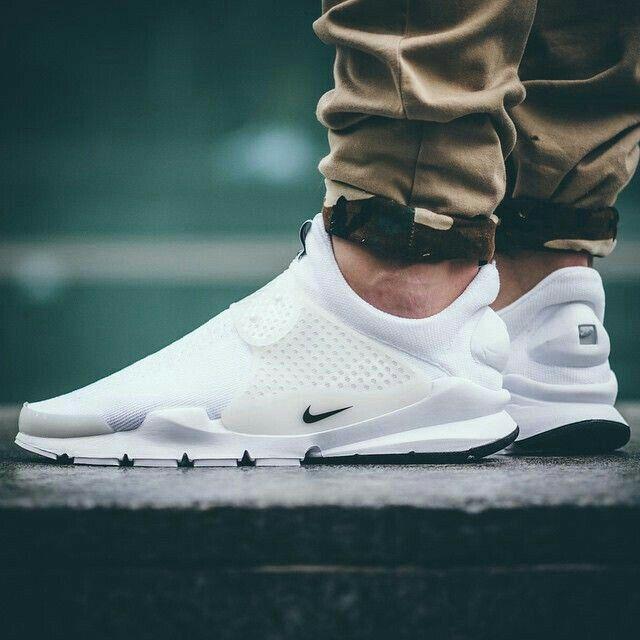 Sneakers fashion, Nike sock dart