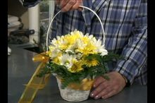 How to Make a Table Flower Arrangement: Video Series | eHow