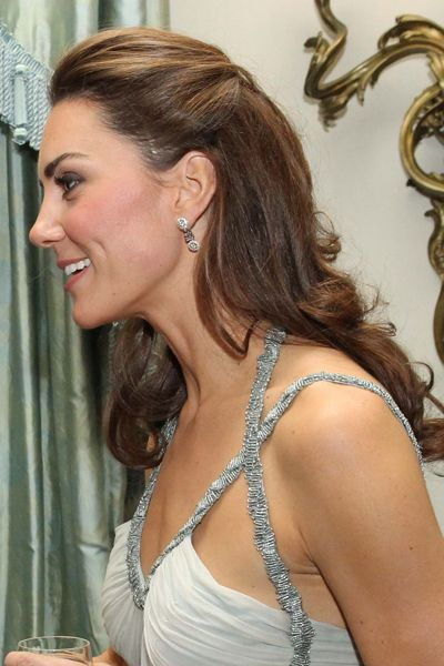 Kate Middleton S Half Up Half Down Hairstyle From All Angles The