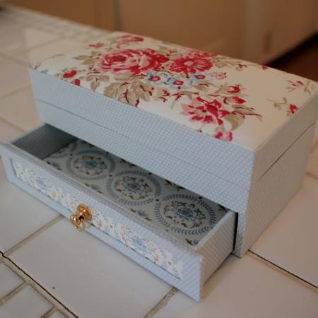 TILDAとGreenGate 北欧の布で引出付の箱 - 文鳥日記