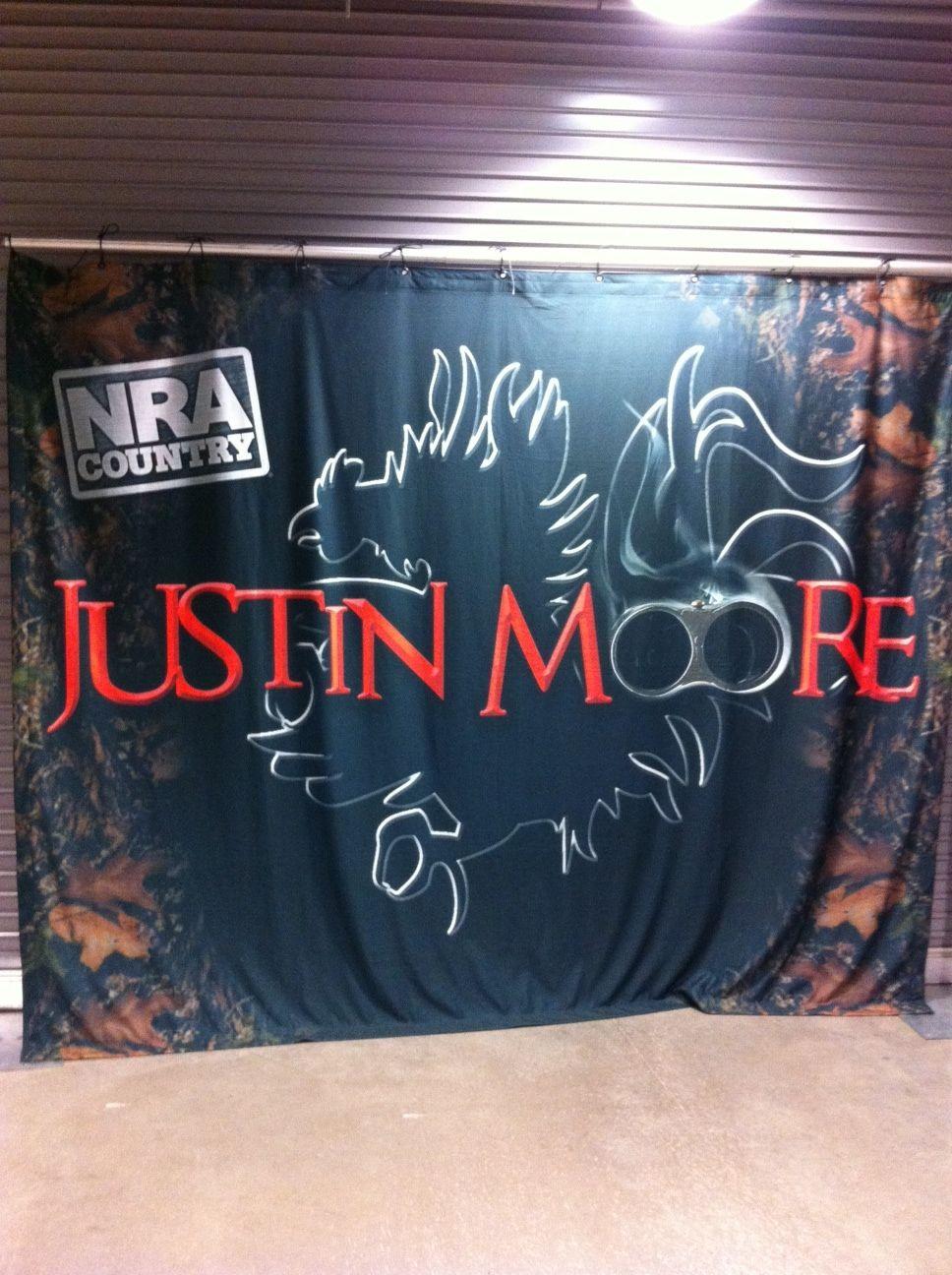 Justin Moore Meet Greet Backstage On The Blood Sweat Beers