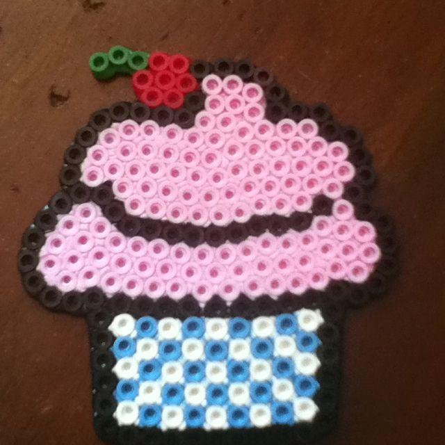 Perler bead cupcake!!