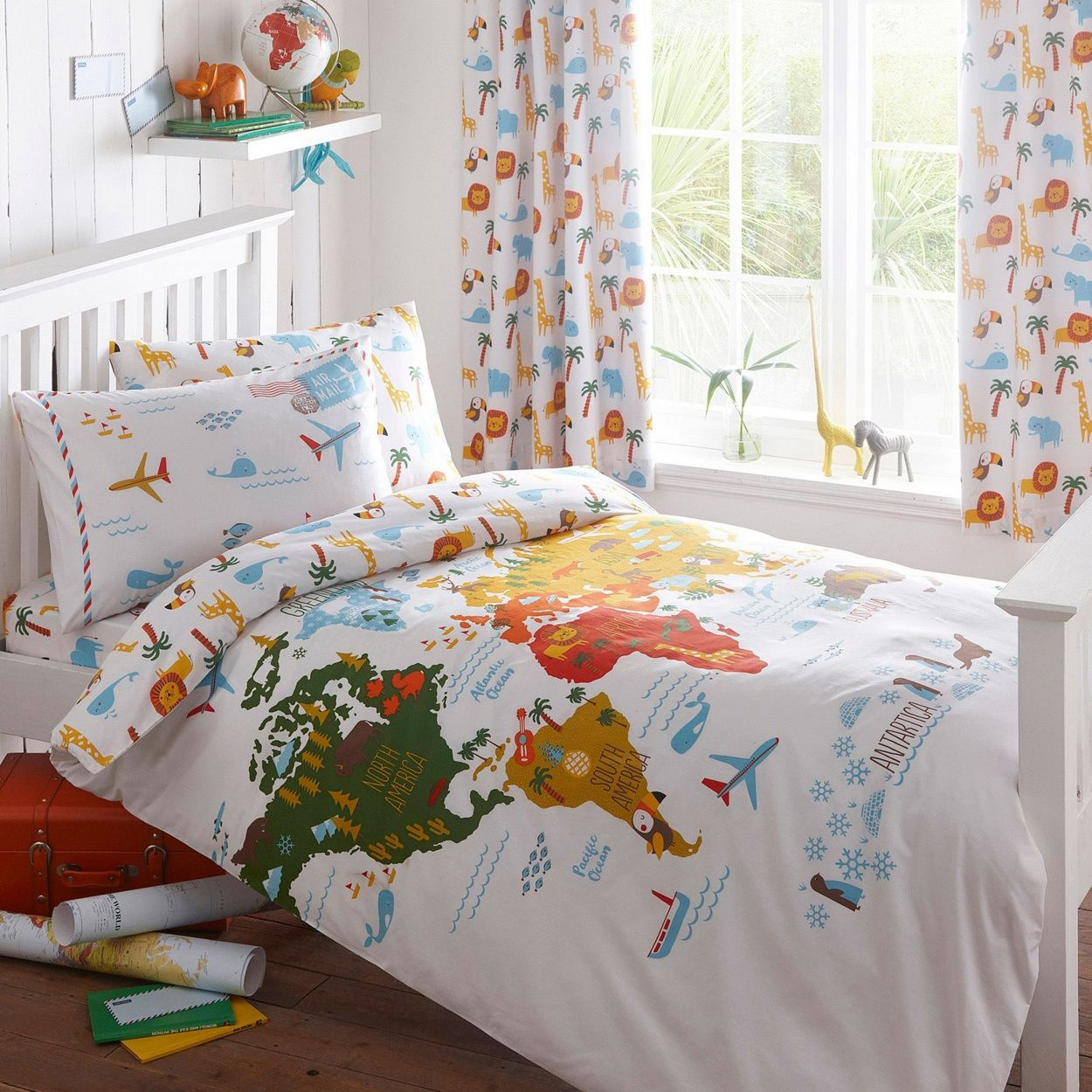 From our exclusive Ben de Lisi range, this duvet set is perfect for aspiring explorers. Made from a super-soft cotton blend, it has a print depicting the world adorned with fun features including palm trees and pineapples.