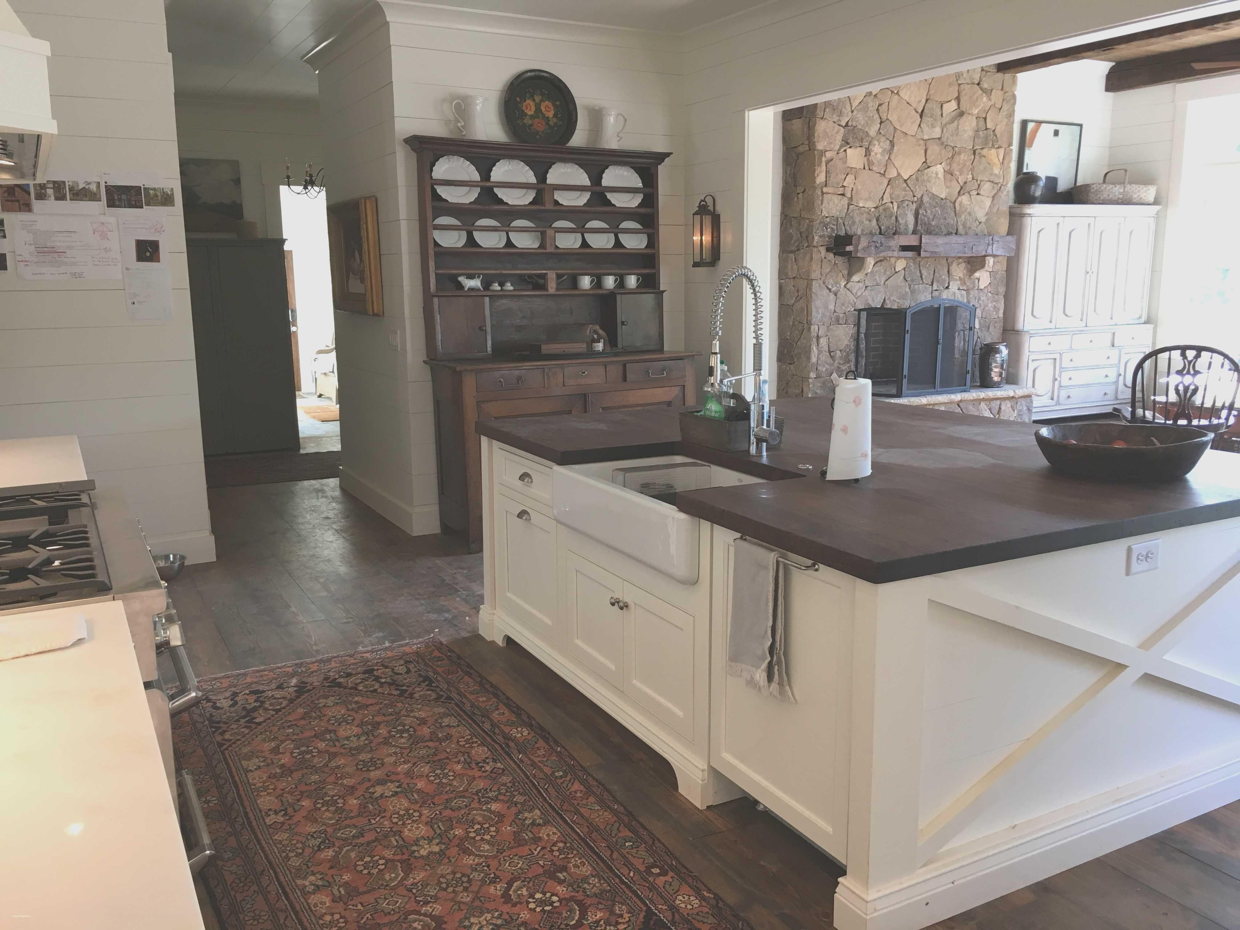 Best Kitchen Gallery: Lovely Farmhouse Kitchen Color Schemes Kitchen Color Schemes of Farmhouse Kitchen Paint Colors on rachelxblog.com