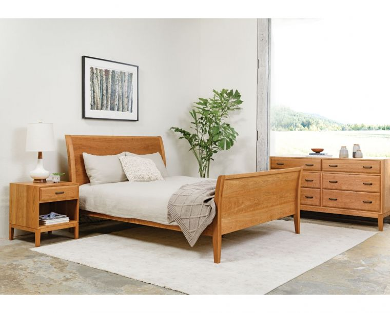 Contemporary Sleigh Bed Https Www Thejoinery Com Furniture