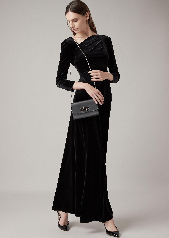 d35434894 Vestido largo de chenilla satinada con escote asimétrico