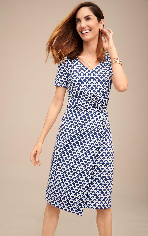 A Flattering For All Sheath Dress Talbots Wear To Work Classic Summer Dresses Summer Work Dresses Dresses [ 2717 x 1711 Pixel ]