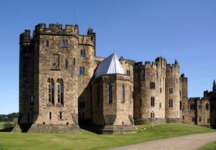 Arquitectura medieval castillos y palacios pinterest for Arquitectura medieval