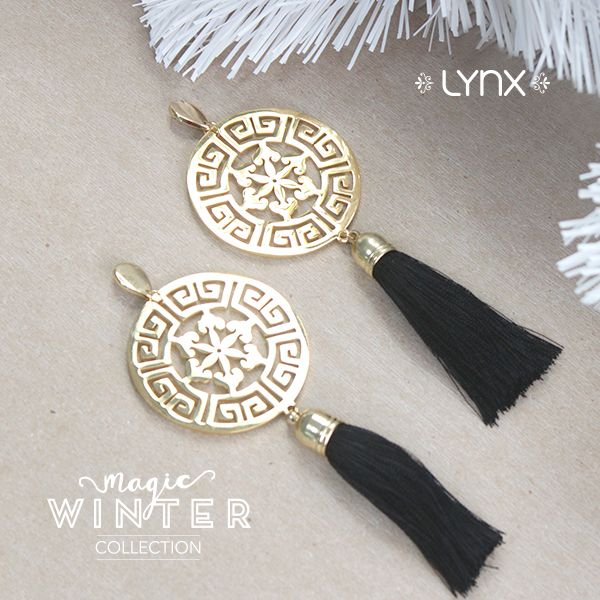 #winter #cold #holidays #snow #rain #christmas #blizzard #snowflakes #wintertime #staywarm #cloudy #holidayseason #season #nature #LynxAccesorios #jewelry #collection #tassel #earrings #women #fashion #accessories