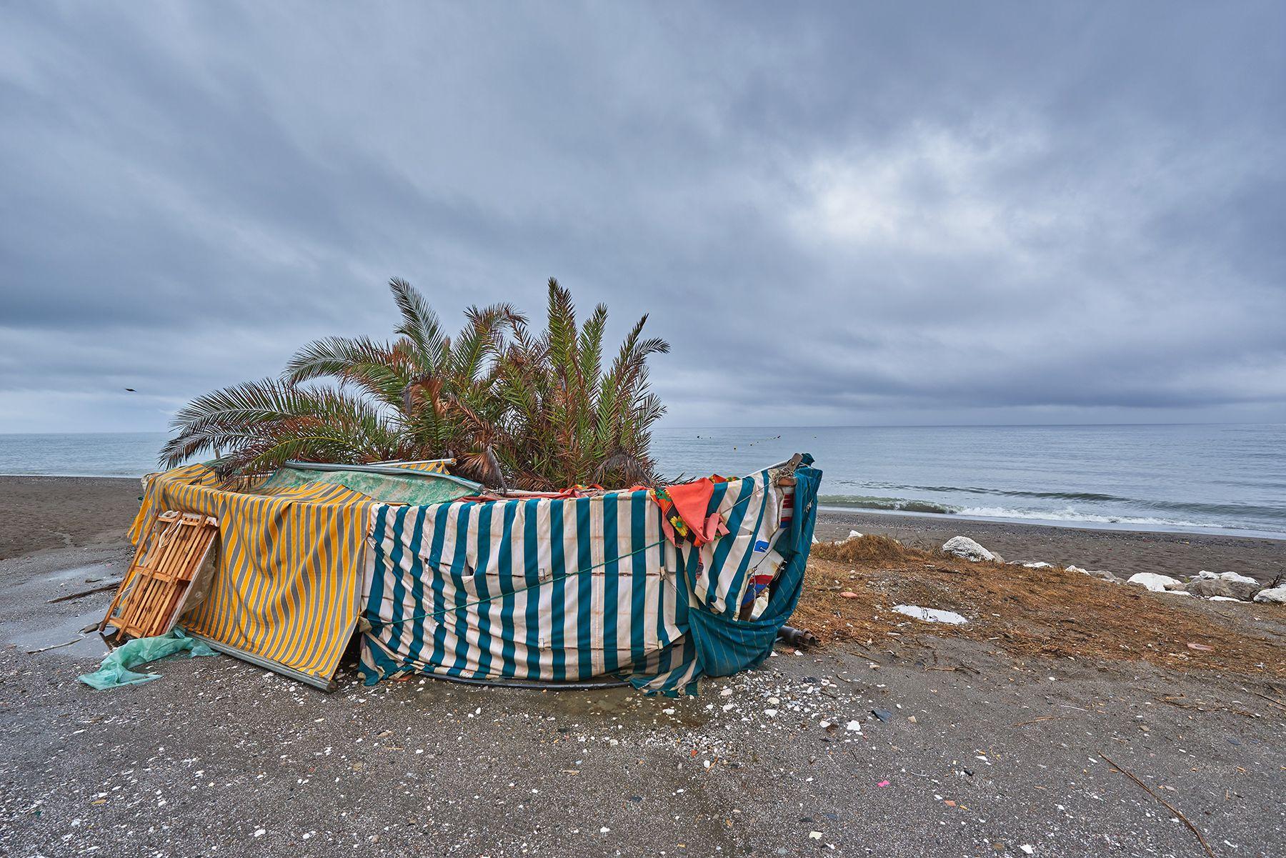 Barco varado en la playa