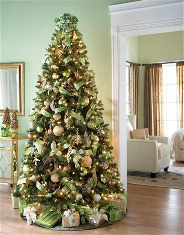 022c871ce46d2 Elegante arbol de navidad en verde y dorado  navidad
