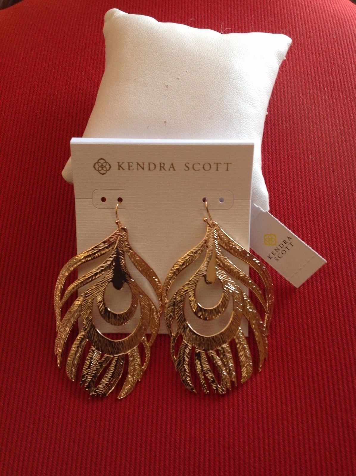 Kavani rose gold plated elegant pearl pendant necklace earrings set