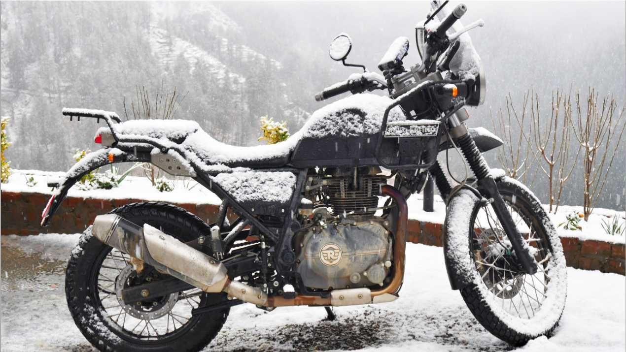 http://media.gqindia.com/wp-content/uploads/2016/03/GQ-India-Royal-Enfield-Himalayan-1.jpg