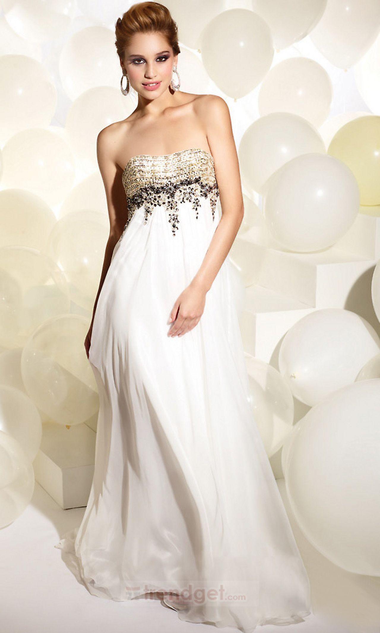 Stunning aline strapless floorlength chiffon white prom dresses
