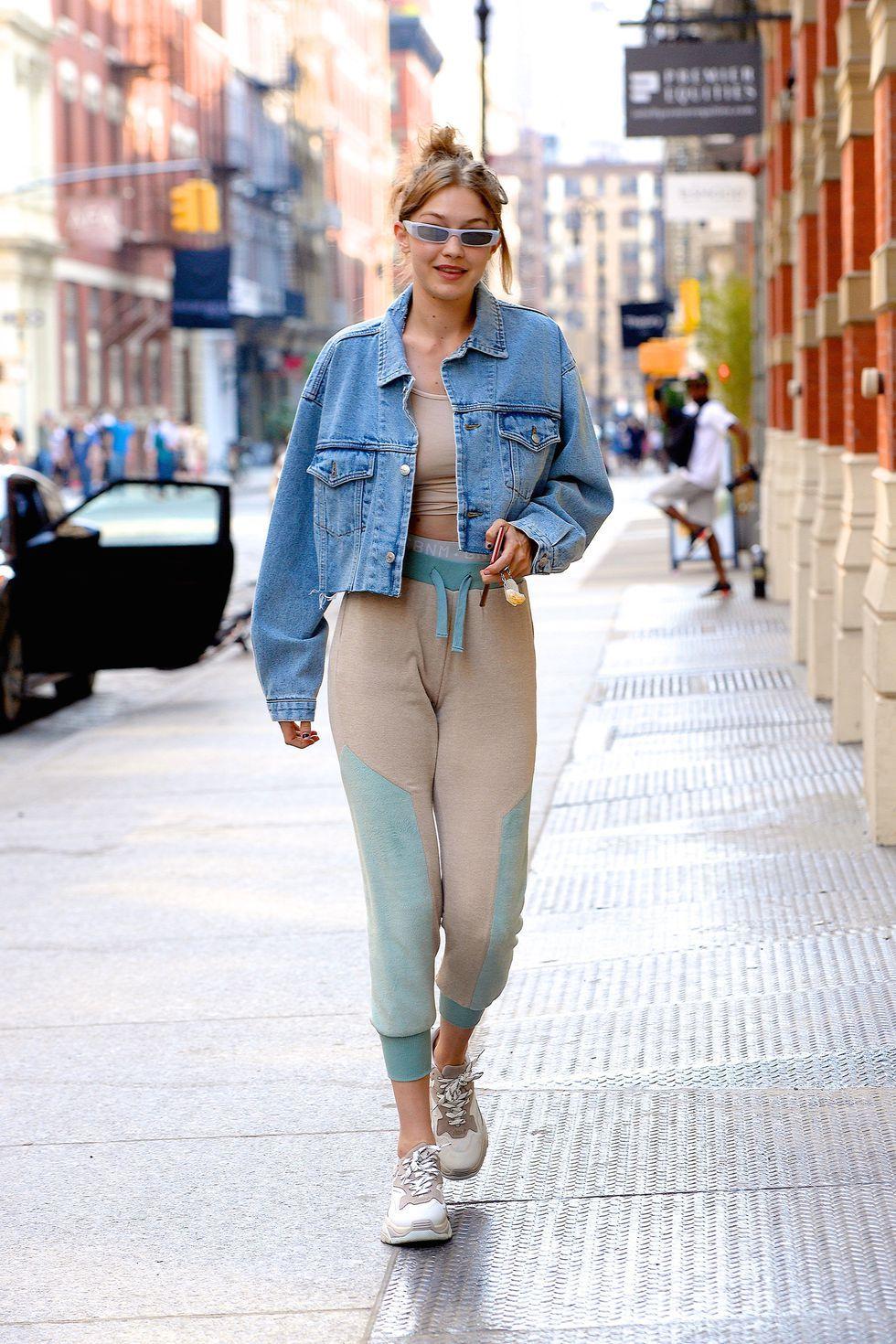 Nobody Does Street Style Like Gigi Hadid Cropped Denim Jacket Outfit Gigi Hadid Outfits Denim Jacket Fashion [ 1470 x 980 Pixel ]