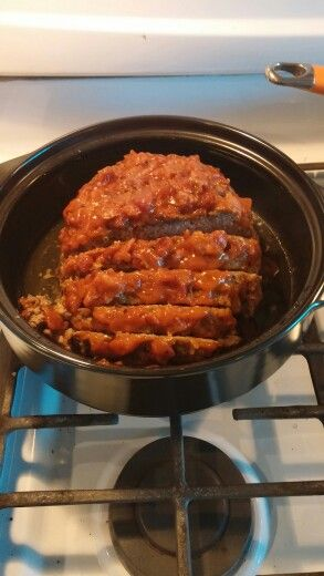 Pampered Chef Rock Crok Meatloaf Use Your Own Meatloaf Recipe Place In Rock Crok Microwave For 17 Minutes O Pampered Chef Recipes Rockcrok Recipes Crock Meals