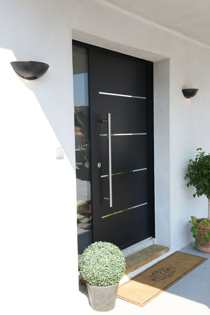 Porte d 39 entr e aluminium cotim 11 par zilten porte d for Modele entree maison