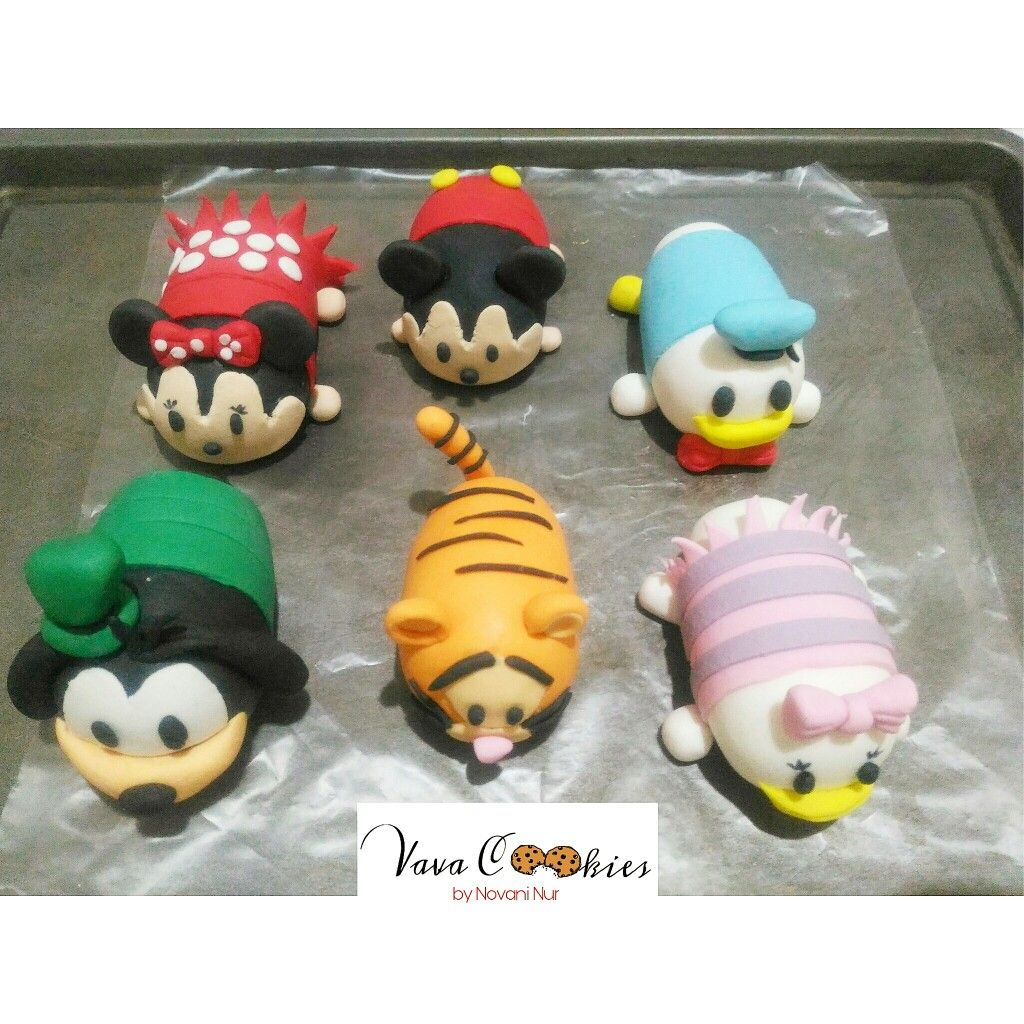 Detail of tsum-tsum character for cake topper #vavacookies