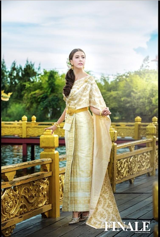 Sririta Jensen in a beautiful traditional Thai dress by FINALE ...