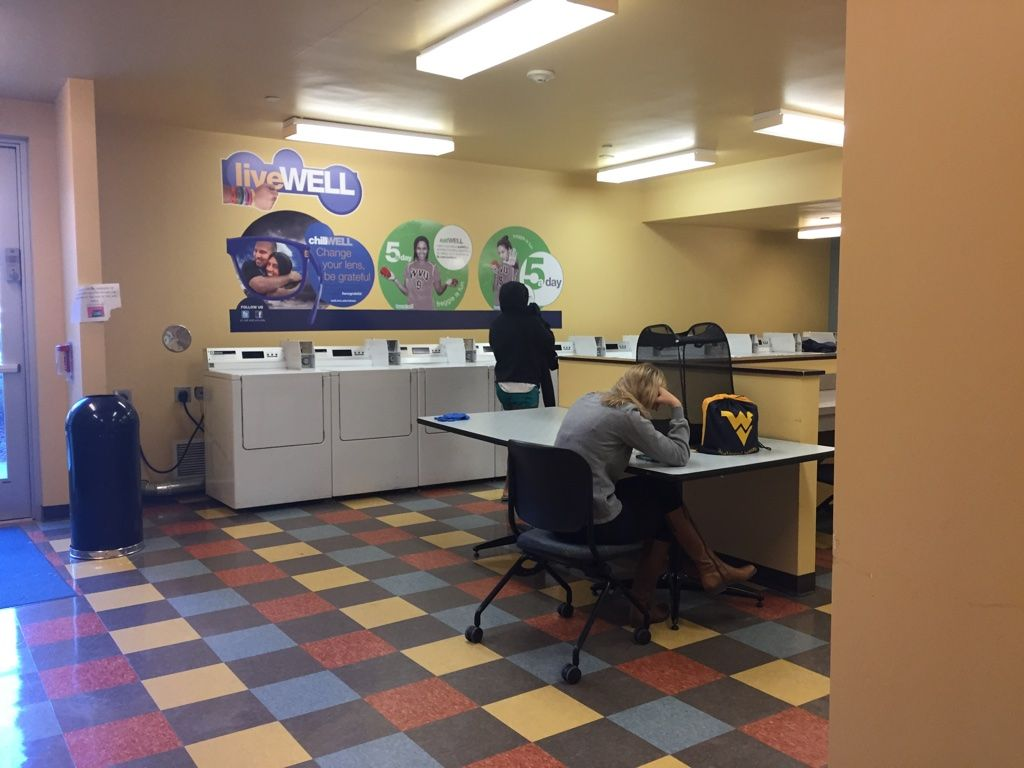 Take A Look Inside Lincoln Hall One Of Wvu S Nine Residence Halls Visit Go Wvu Edu Dorm To Find Out Which Dorm You Should Live Residence Hall Morgantown Dorm