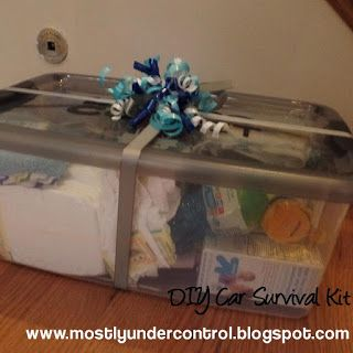 I can't tell you how many times I have been wanting to run a quick errand but had nothing with me for baby - this car survival kit is awesome as a baby shower gift!  #diy #babyshowergift