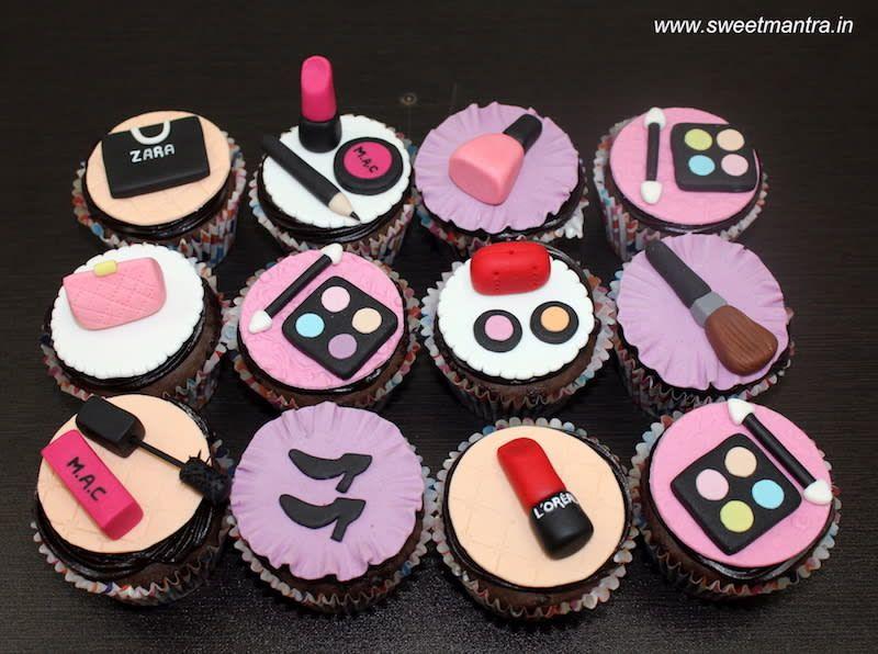 Makeup Theme Customized Designer Fondant Cupcakes For Best Friends