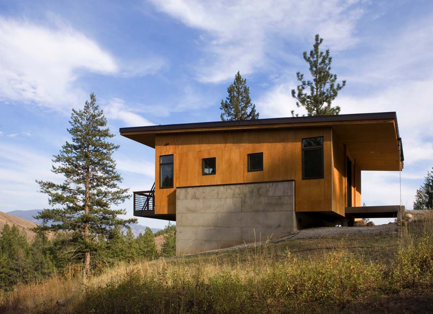 A budget-friendly cabin surrounded by forest in Methow Valley