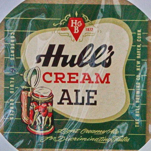 "One Vintage ""Hull's Cream Ale"" Beer Label, Hull Brewing (1933-1977)"