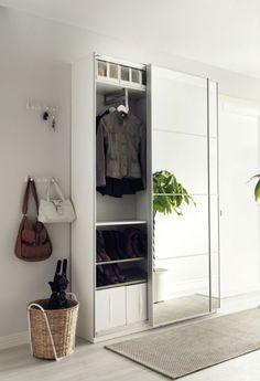 Ikea Guardaroba Pax Birkeland.Smart Forvaring Till Liten Hall Forvaring Ikea Hallway Ikea