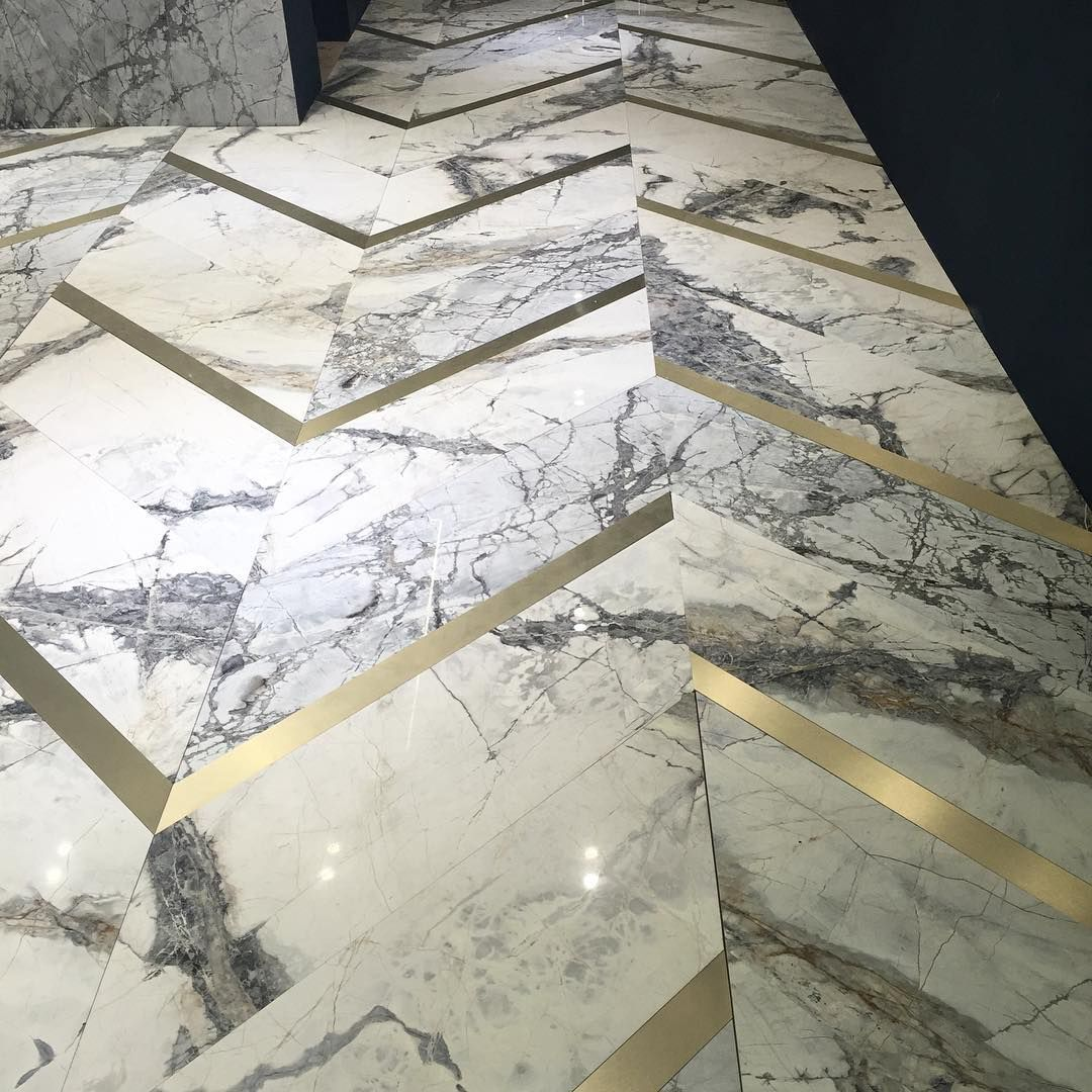 Marble flooring from antolini at 100 design the ultimate for Classic floor designs