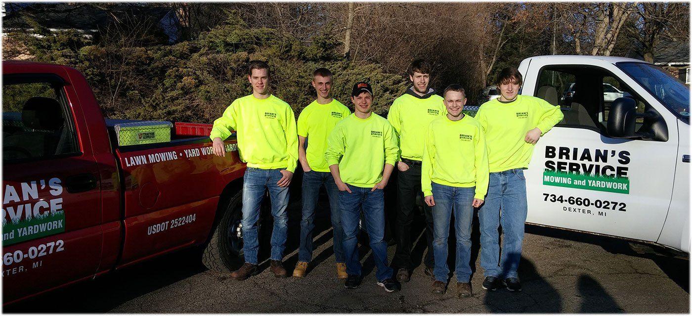 169 Brians Service 2016 Lawn Crew Full Crew, Service
