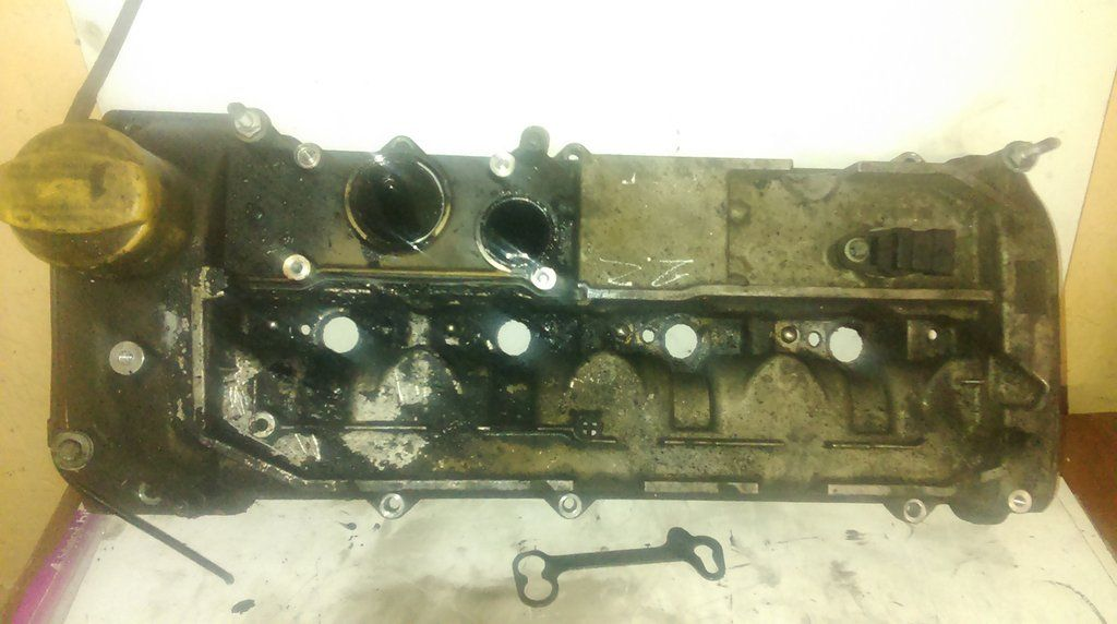 MB MERCEDES BENZ 2.2 CDI OM 611.980 ENGINE CYLINDER HEAD COVER