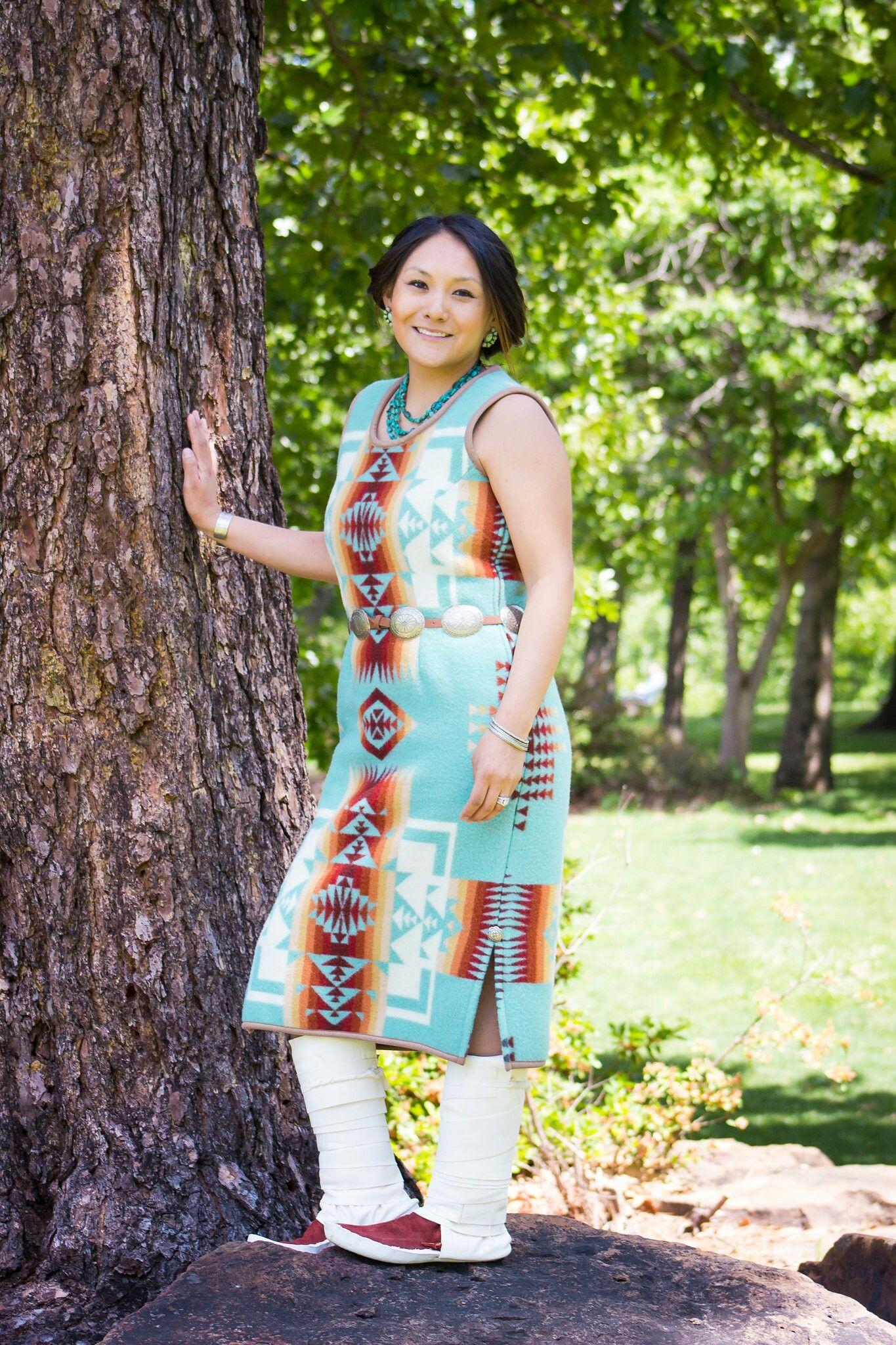 Pin de Jennifer Peshlakai en Navajo Pendleton Graduation Dress ...