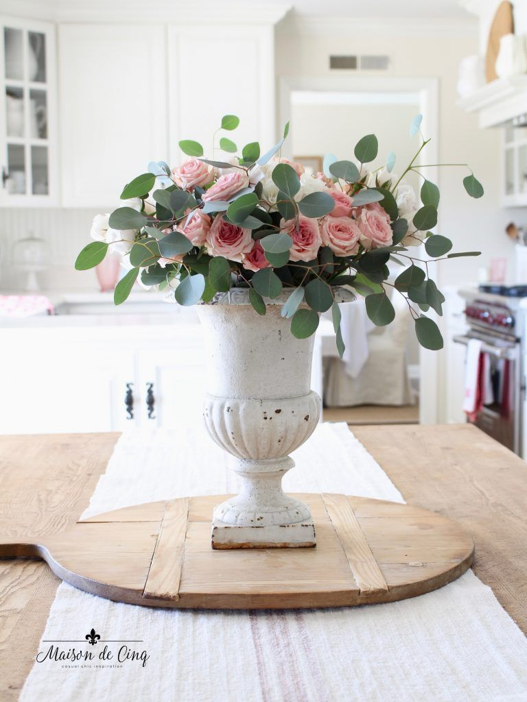 Soft and Simple Valentine's Day Decor! Vintage Inspired decorating for Valentine's Day! --> #maisondecinq #frenchcountry#valentinesday #valentinesdaydecorating #pinkandwhite #frenchfarmhouse #decoratingwithflowers #floraldecor #pinkflowers #florals #valentinesdecor #pinkandwhitedecor #pink #pinkdecor #kitchendecor #whitekitchen #farmhousekitchen #farmhousestyle #vintagedecorating #vintagestyle