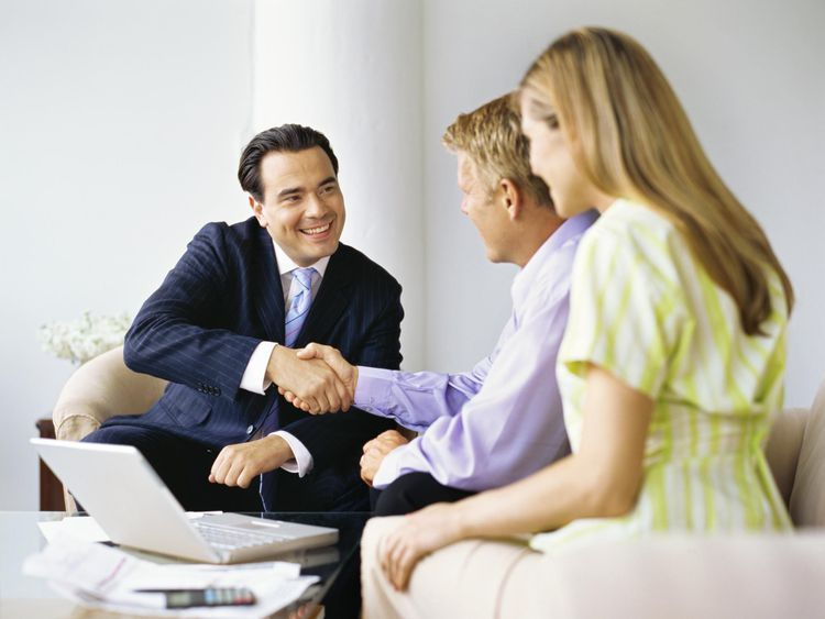 Learn About Being An Insurance Agent And Get Salary Info And More