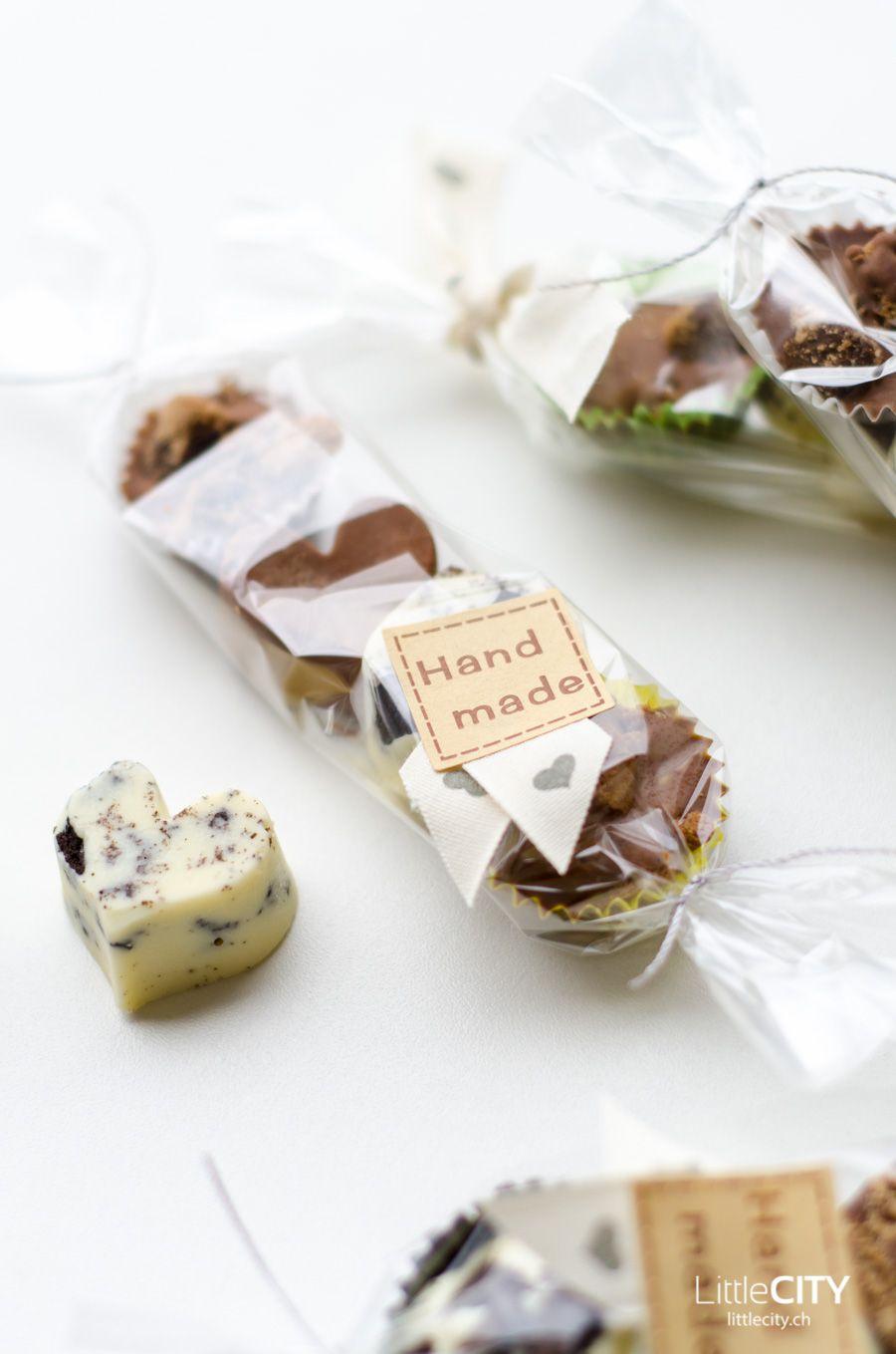 pralinen selber giessen einfaches weihnachts diy chocolate praline chocolate and fudge. Black Bedroom Furniture Sets. Home Design Ideas