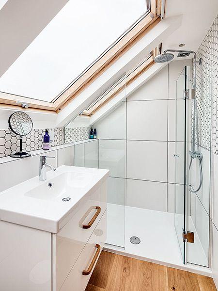 En Suite Bathroom In A Maisonette Remodel Small Attic Bathroom Bathroom Design Small Small Bathroom Design