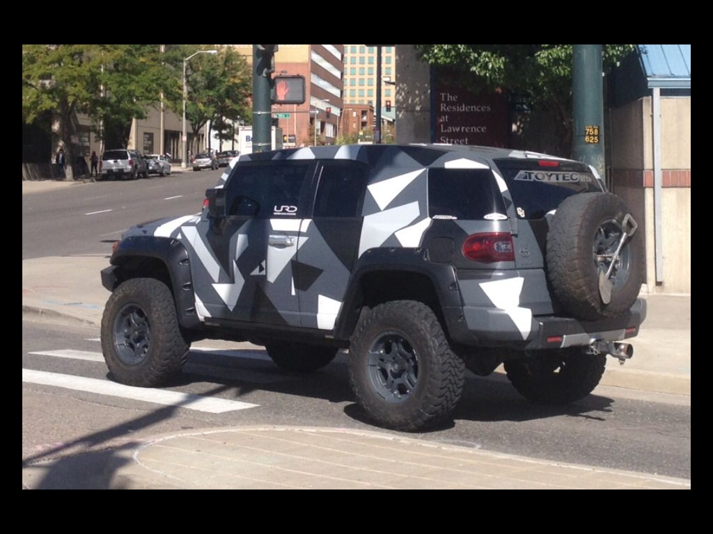 Lifted Jeep Renegade >> Black and white Camo FJ Cruiser? Prefer traditional winter camouflage / or urban vs. large ...