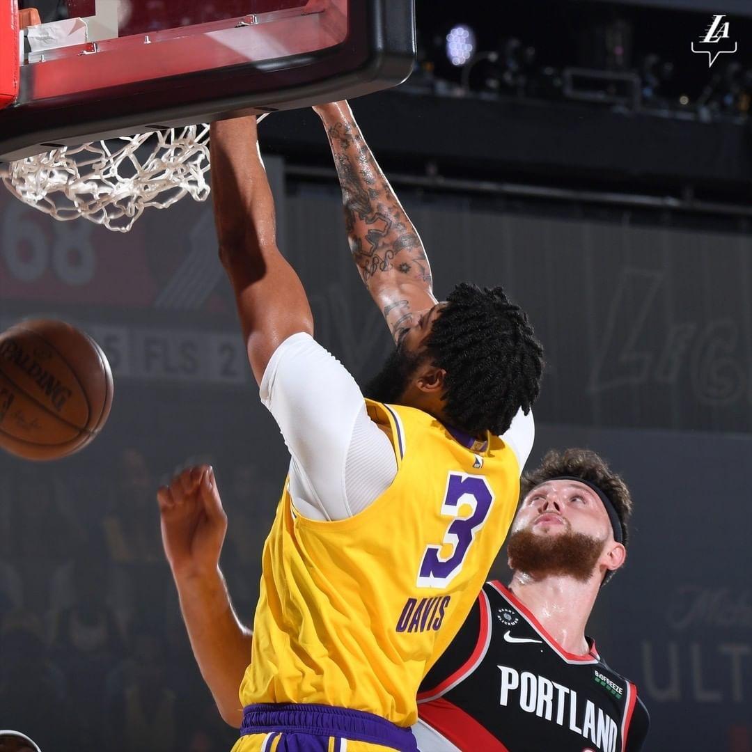 Los Angeles Lakers On Instagram Anthony Davis Sr With The Cameo Anthony Davis Jr With The Throwdown In 2020 Los Angeles Lakers Anthony Davis Lakers