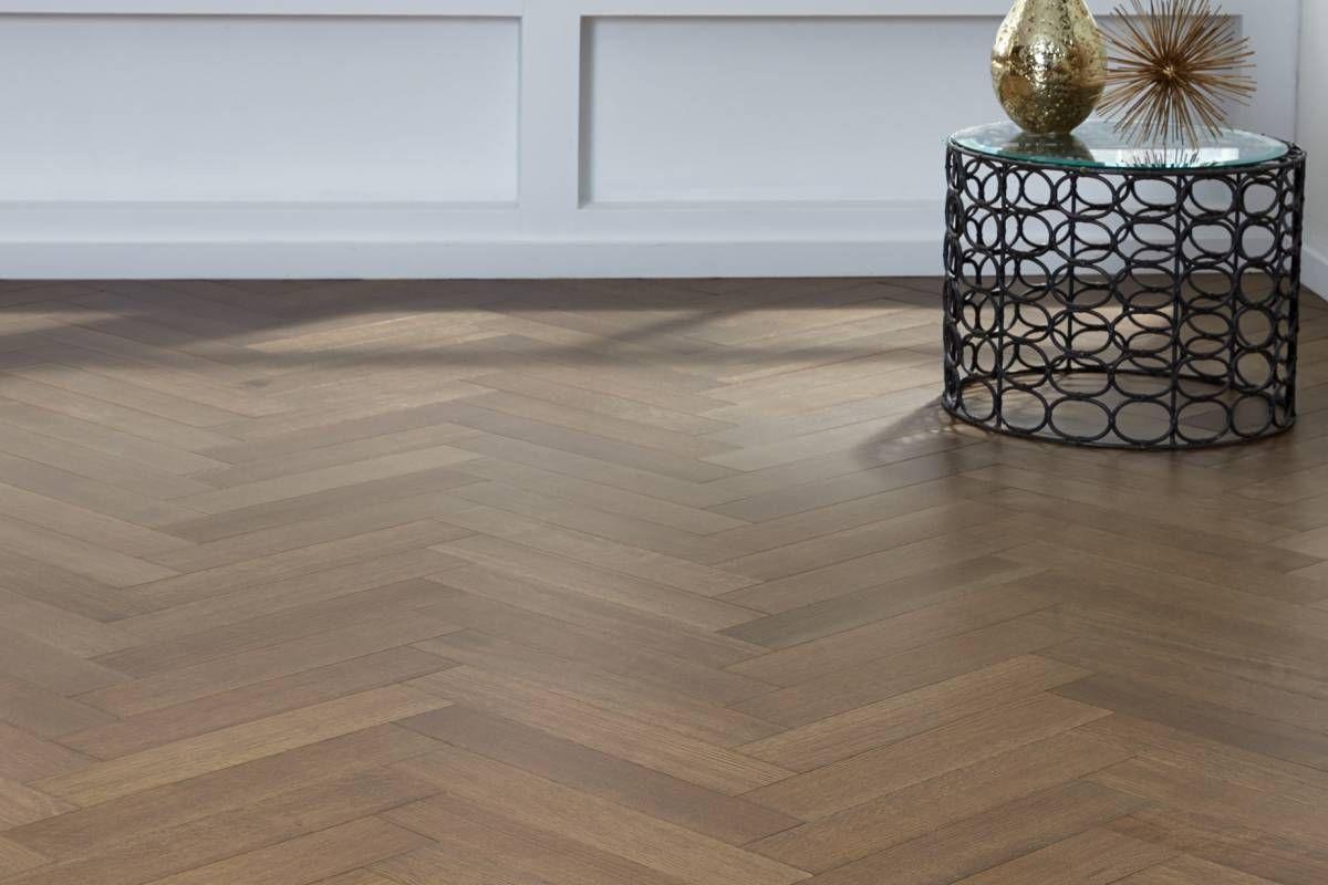 14 Amazing Interior Ideas Of Laminate Flooring With A Herringbone Pattern