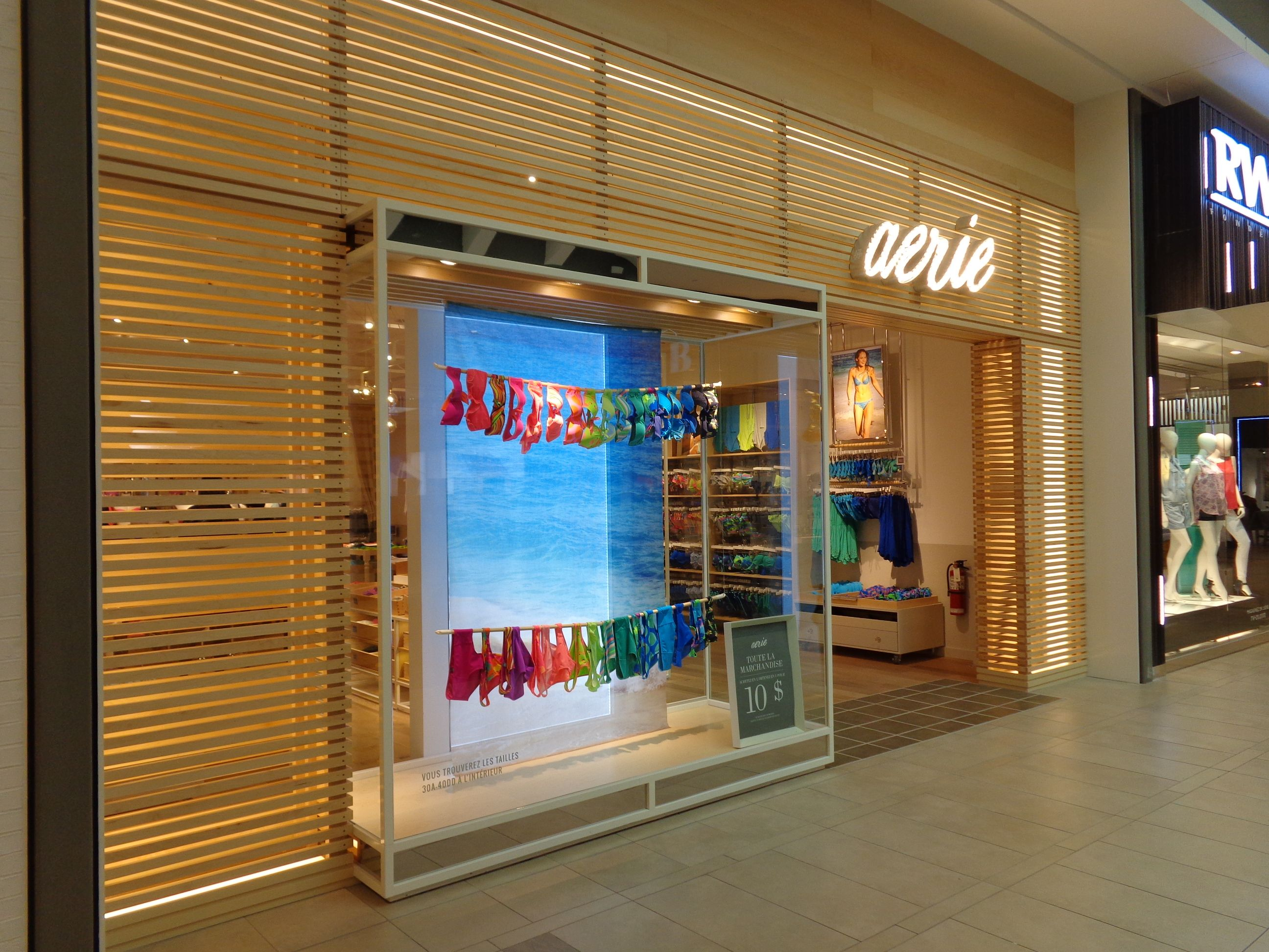 New Aerie By American Eagle Store Concept In Laval Qc 28 05 2014
