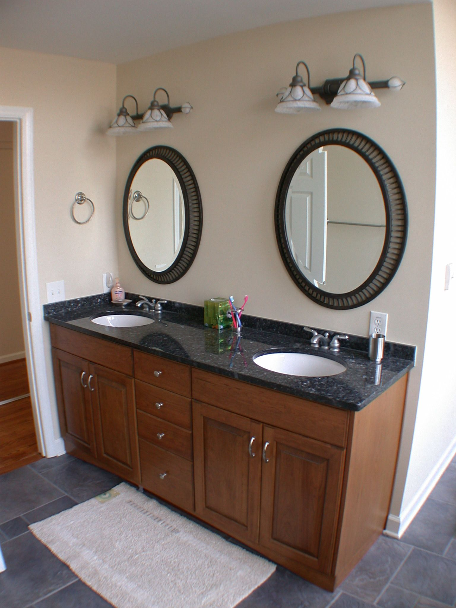 Double Light Oak Bathroom Vanity Cabinets With Cream Laminated