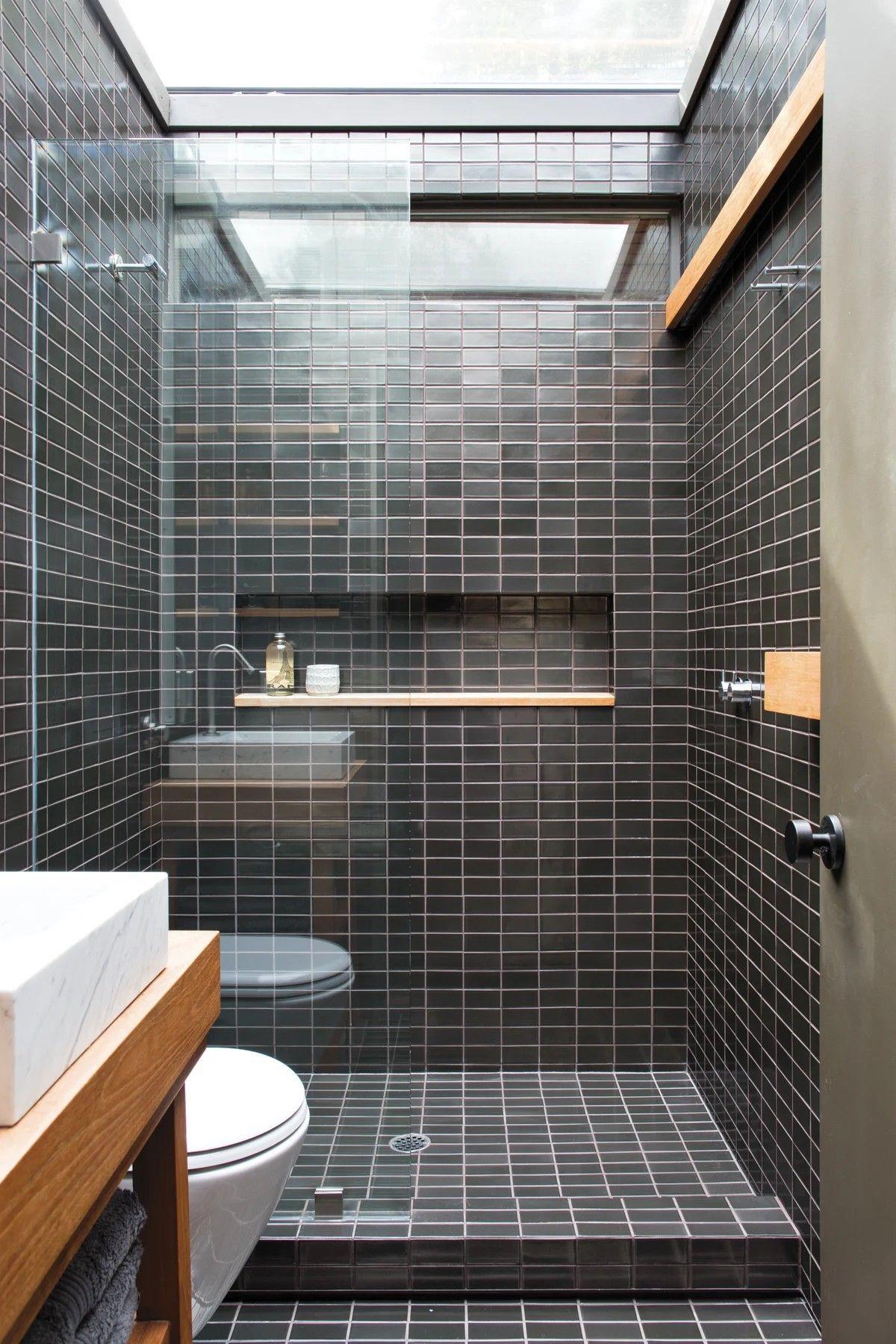 Pin By Juan Luis On Walk This Way In 2020 Black Tile Bathrooms Best Bathroom Tiles Bathroom Tile Designs