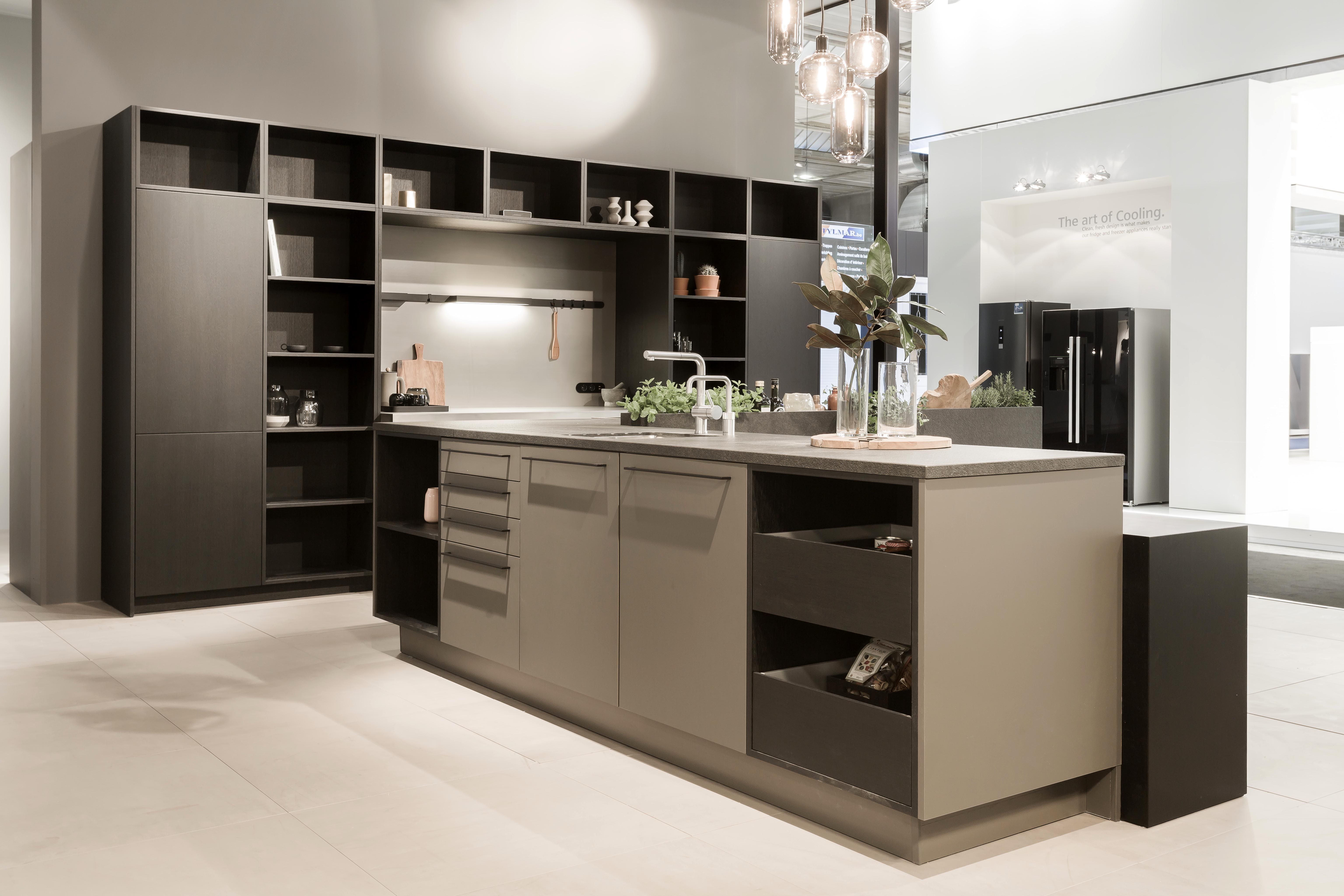 Siematic Urban In Black Oak And Umbra Color Kitchens 2018
