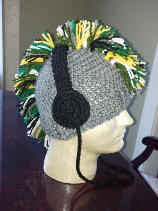 Crochet mohawk/headphones hat - no pattern.  Basic beanie with headphone aplique and mohawk. Great for big Eddie.